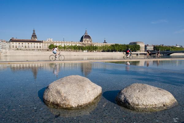 Les Berges du Rhône face au Grand Hôtel-Dieu © Tristan Deschamps / ONLY LYON Tourisme et Congrès
