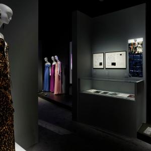 L'exposition Yves Saint Laurent au Musée des Tissus © Pierre Verrier